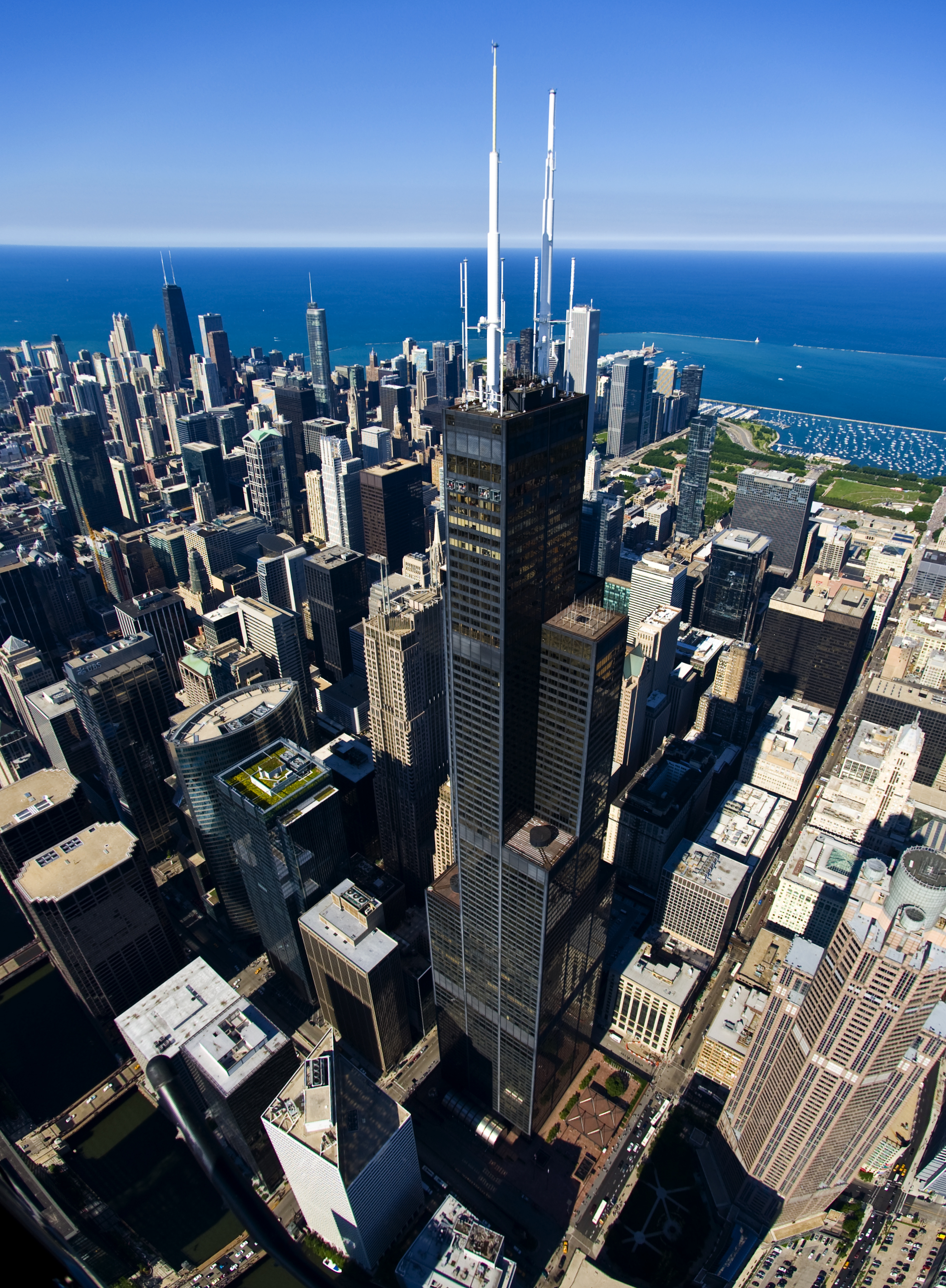 Willis Tower Broadcasts A Number Of Radio And Television